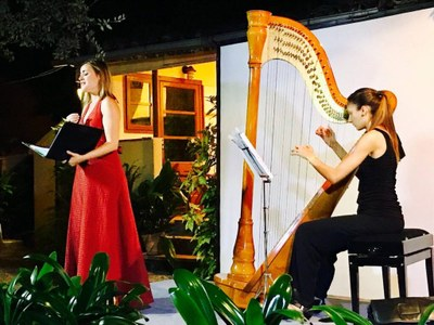 3 CLÀSSICS I UN SENYOR. Eulàlia Fantova i Esther Pinyol (Reserves obertes)