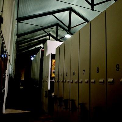Visita a les reserves de VINSEUM. Visita al fons material (Cal Berger)