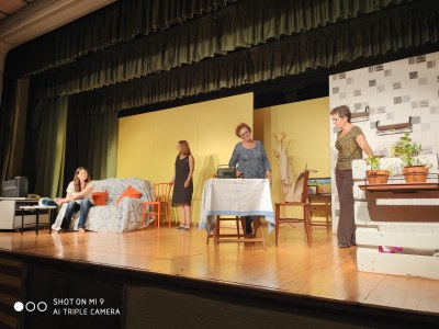 """Teatre amb l'obra """"Sucre amarg"""""""