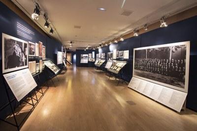 Visita guiada a l'exposició de l'Orquestra Pau Casals
